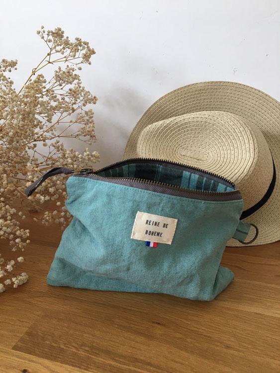 Petite pochette bleu-vert en coton/lin ancien et chapeau panama