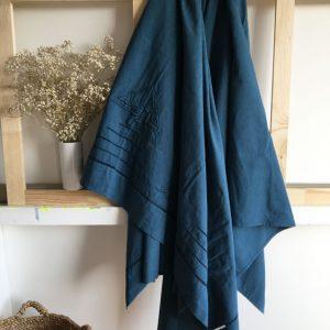 Grande Nappe en coton/lin ancien brodé bleu indigo reine de Bohème made in France